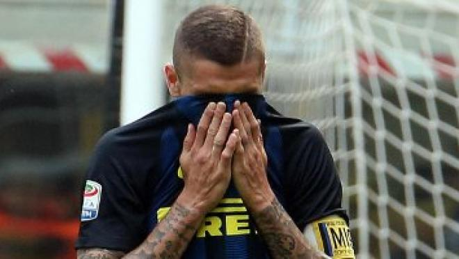 Mauro Icardi misses vs Milan