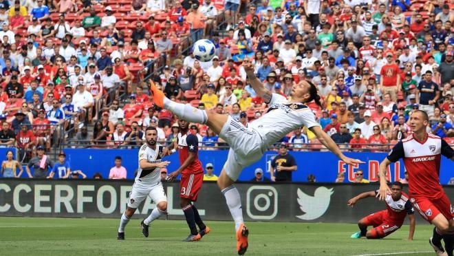 Zlatan Ibrahimovic LA Galaxy free kick