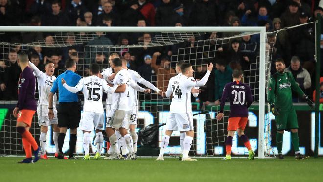 Raheem Sterling Dive vs Swansea