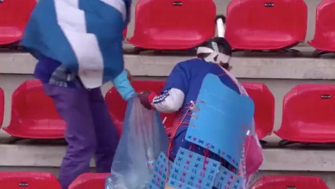 Japan Fans Clean Stadium