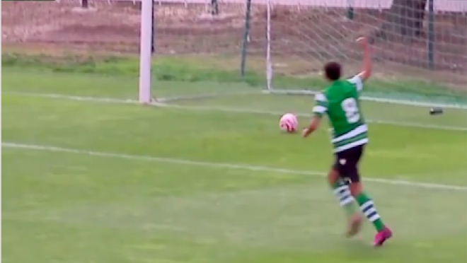 Sporting score without touching the ball