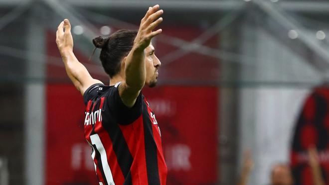 Zlatan Goal vs Cagliari