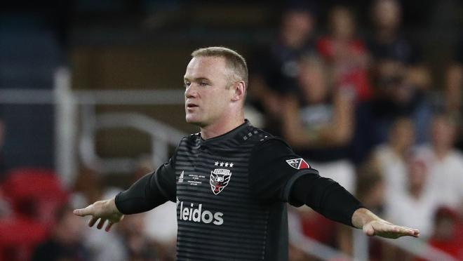 Wayne Rooney free kick