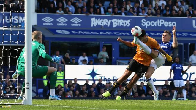 Raul Jimenez Wolves goal vs Everton