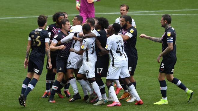 Luton Town vs Swansea City fight