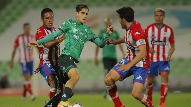 Santiago Muñoz Santos debut