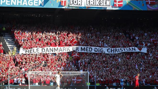 Christian Eriksen Tenth Minute Tribute