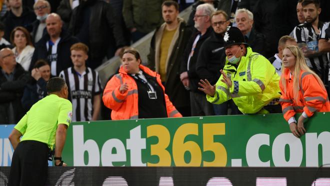 Newcastle cardiac arrest stops match against Spurs