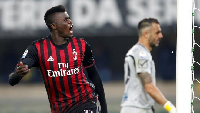 M'Baye Niang celebrates scoring for AC Milan.