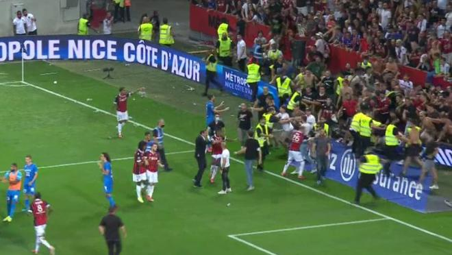 Nice fans invade pitch in France