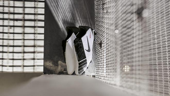 Nike Phantom VNM Future DNA T90