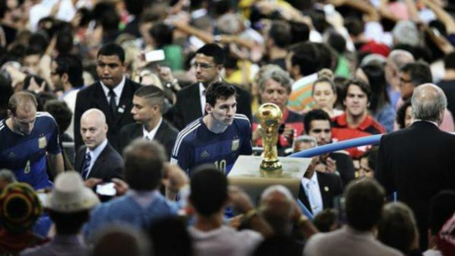 Sad World Cup Photos — Lionel Messi 2014