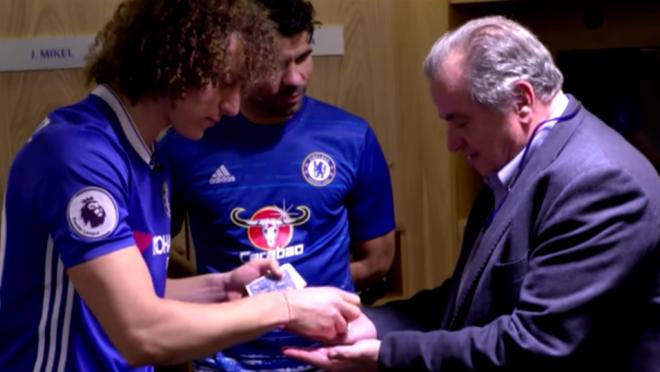 David Luiz Magic trick