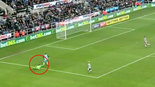 Karl Darlow Save for New Castle