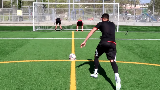 FaZeClan vs F2Freestylers Crossbar Challenge