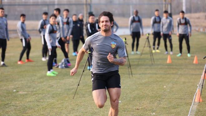 Distance run per sport: Alexandre Pato Running