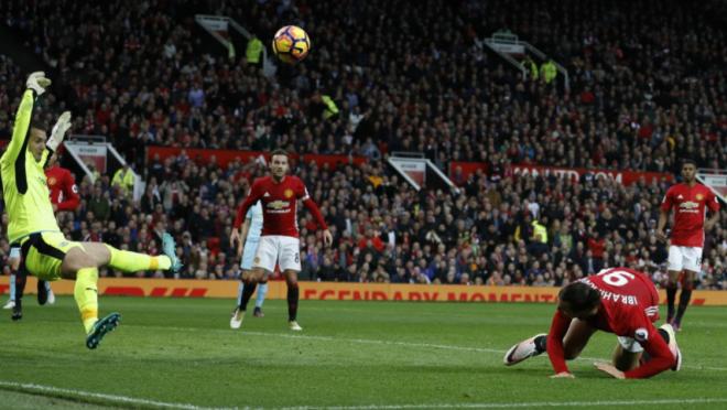 Tom Heaton save on Zlatan Ibrahimovic
