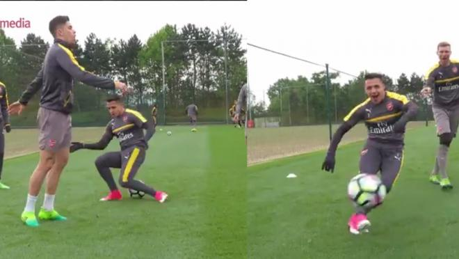 Alexis Sanchez gets nutmegged by Gabriel