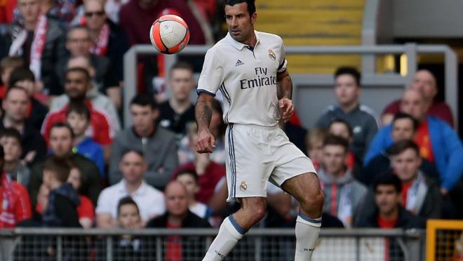 Luis Figo scores free kick goal