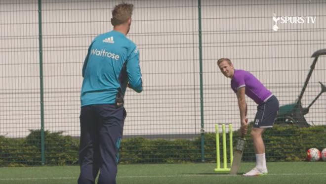 Harry Kane Tries Cricket