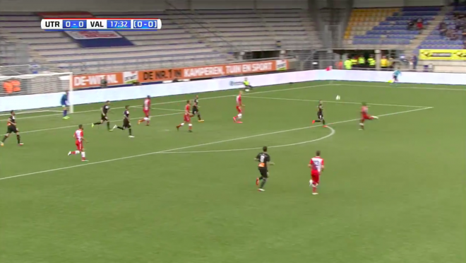 FC Utrecht's Sean Kleiber Scores Wonderful Volley