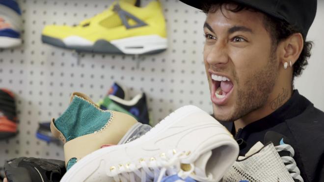 Neymar Sneaker Shopping Complex