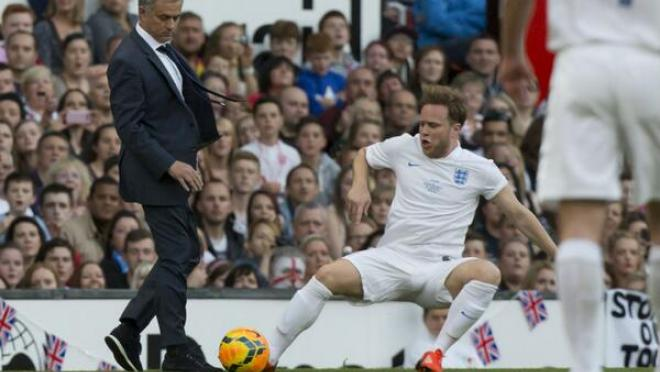 Jose Mourinho Tackles Olly Murs