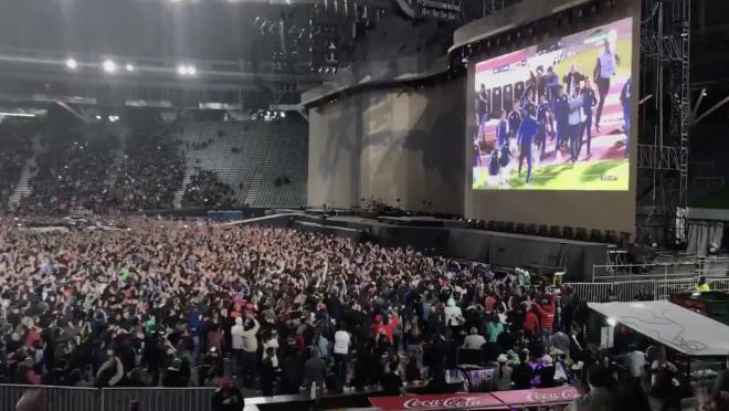 U2 Delays Concert To Watch Messi