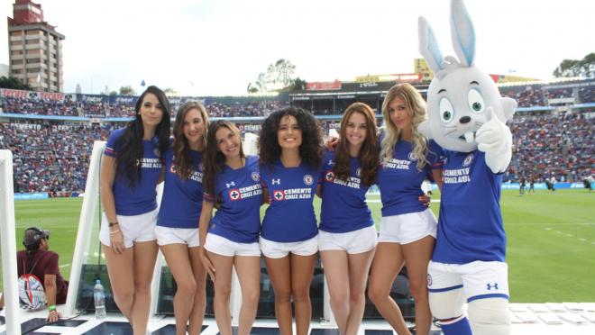 Cruz Azul Cheerleaders
