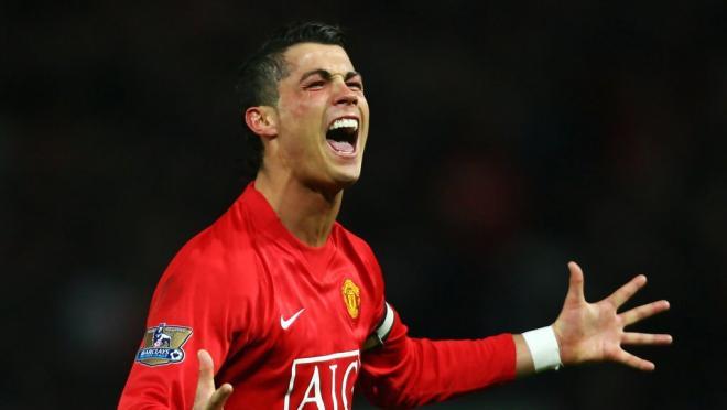 Ronaldo in his old Man U uniform