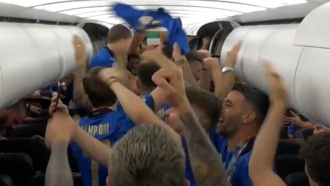 Italy Celebrates on Plane