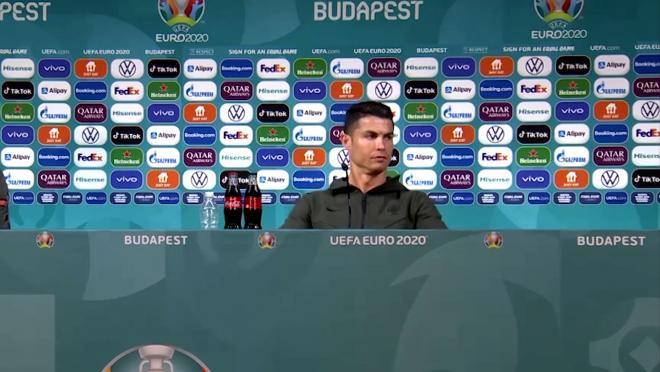 Ronaldo Shuns Coca-Cola