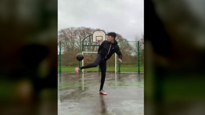 Insane Basketball Hoop Trick Shot