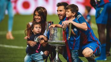 Antonella Roccuzzo, Lionel, Thiago and Mateo Messi