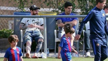 Lionel and Thiago Messi, Luis and Benjamin Suarez