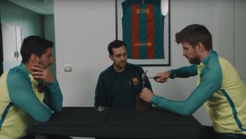 Magician visits FC Barcelona