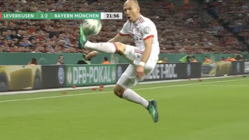 Arjen Robben Amazing First Touch