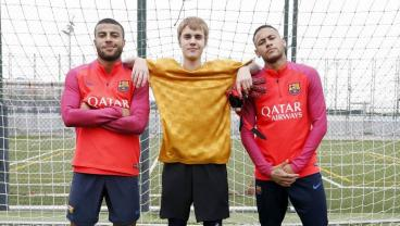 Justin Bieber Joins Neymar And Rafinha On The Pitch