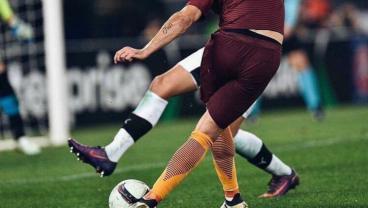 Roma's Diego Perotti Scores With An Insane Rabona Chip
