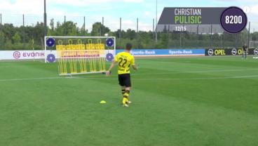Christian Pulisic Attempts FIFA 18 Free Kick Challenge Alongside Dortmund Teammates