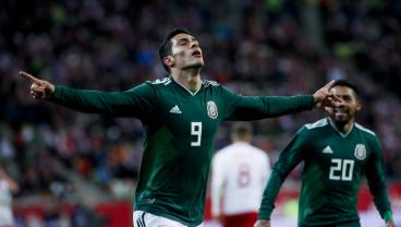 Raul Jimenez Rips A Half-Volley Into The Roof Of The Net To Put El Tri Up On Poland