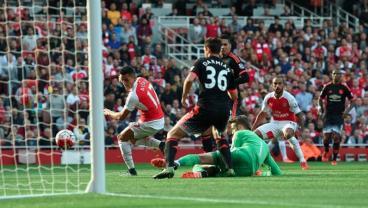 Alexis Sanchez Goal vs Manchester United