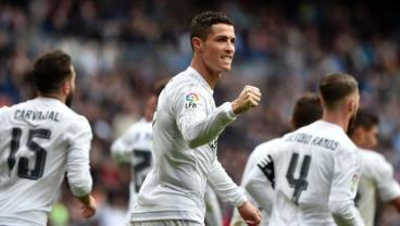 Cristiano Ronaldo Nets Four, Earns A Place In History (Video)