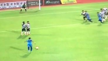 Insane Knuckle Ball Freekick in Malaysia