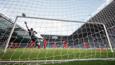 Leigh Griffiths free kick