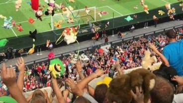 Traveling Dutch Fans Shower Children's Hospital Patients With Stuffed Animals