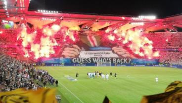 Legia Warsaw Ultras Filmed Brutally Pepper Spraying Stadium Stewards