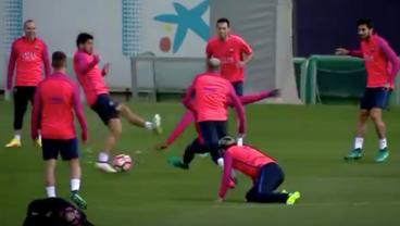 MSN Left Dizzy After Being Destroyed By Barca Teammates In The Rondo