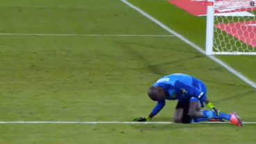 Senegal Goalkeeper Rabona Kicks His Own Leg, Acts As If He's Been Shot To Waste Time
