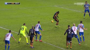 Mohamed Diame Scores One Of The Flukiest, Trashiest Goals You'll Ever See For Newcastle United